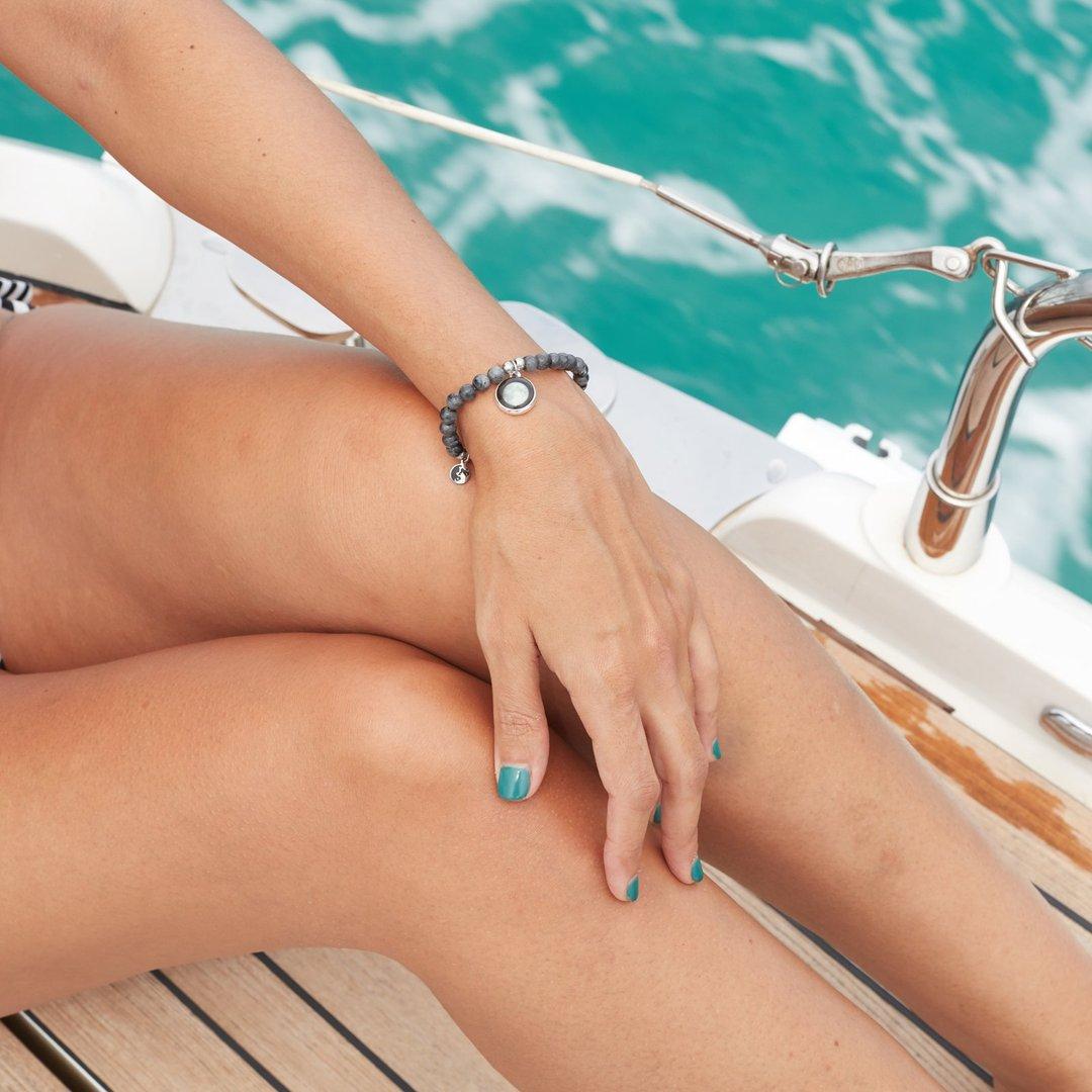 Black beaded bracelet (여성용)